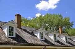 一个军事大厦的屋顶窗 免版税库存照片
