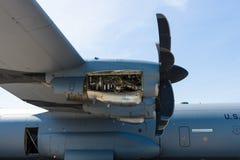 一个军用运输航空器洛克西德・马丁C-130J超级赫拉克勒斯的涡轮螺旋桨引擎罗斯劳艾氏AE 2100D3 免版税库存图片