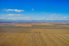 一个农场的鸟瞰图在冬天 图库摄影