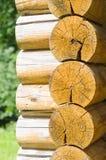 一个农村木屋的墙壁 免版税库存照片