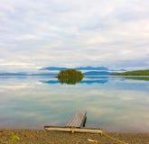 一个冰河湖在育空地区 免版税图库摄影