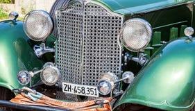 一个减速火箭的汽车帕卡德敞篷车轿车的前面部分1934年 免版税库存图片