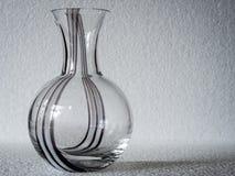 一个几何,长方形被仿造的清楚的玻璃花瓶 免版税图库摄影