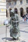 一个匿名路人,转折,人,弗罗茨瓦夫,波兰雕塑的纪念碑  免版税图库摄影