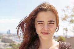 一个十几岁的女孩的纵向 免版税库存图片