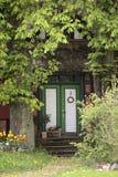一个历史的房子的入口列出了成纪念碑在Hohendorf 库存照片