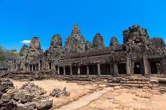 一个历史的高棉寺庙的古老废墟在寺庙compl的 免版税库存照片
