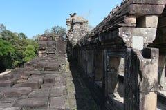 一个古城的废墟和墙壁吴哥复合体的,在a附近 库存图片