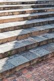一个古庙的石步。 免版税图库摄影