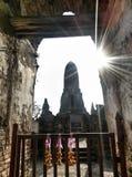 一个古庙的门门在ayuthaya的 库存照片
