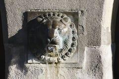 一个古老喷泉的看法在卢赛恩 库存图片