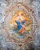 一个古老基督教会的绘的装饰的天花板 免版税库存图片