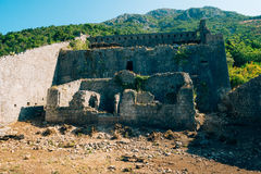 一个古老堡垒的废墟在Perast的 图库摄影