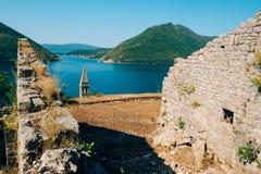 一个古老堡垒的废墟在Perast的 免版税库存照片