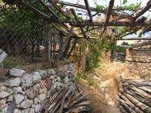 一个古老堡垒的废墟 免版税图库摄影
