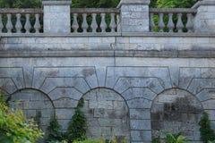 一个古老堡垒的石墙 芳香迷人的 库存图片