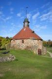 一个古老塔Lars Torstenson在堡垒Korela晴朗的10月天 Priozersk,列宁格勒地区 免版税图库摄影