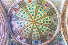 一个古老大厦的装饰的天花板在索伦托,意大利 免版税库存照片