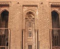 一个古老清真寺的墙壁在老开罗,埃及 库存照片