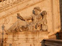一个古老神的雕象Capitoline小山的在罗马 免版税库存图片
