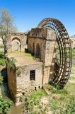 一个古老阿拉伯磨房的废墟在科多巴,安大路西亚,西班牙 库存照片