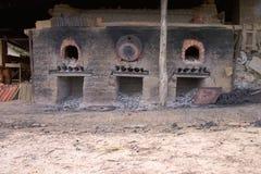 一个古老陶瓷熔炉的门面 免版税库存图片