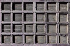 一个古色古香的木门的纹理从第16个和第17个cen的 库存图片