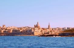 一个古都城市瓦莱塔的一幅惊人的全景在马耳他 免版税图库摄影