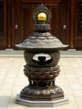 一个古铜色香炉 库存照片