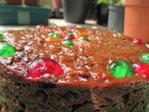 一个可口看的圣诞节果子蛋糕 免版税库存照片