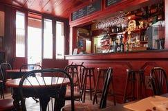 一个咖啡馆,瓦莱塔的内部在更低的Barrakka庭院附近的 库存照片