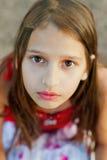 一个哀伤的女孩的纵向 库存照片