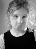 一个哀伤的女孩的画象。 库存照片