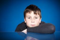 一个哀伤的少年的画象 库存照片