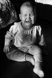 一个哭泣的婴孩的画象 婴孩啼声 库存图片