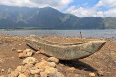 从一个唯一树干的独木舟 库存照片