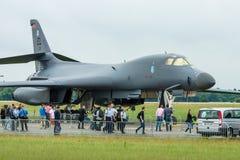一个四引擎的超音速易变打扫翼,喷气机动力的重的战略轰炸机罗克韦尔B-1B持枪骑兵 免版税库存照片