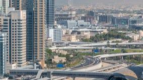 一个回教族长zayed路交叉点的鸟瞰图一大城市timelapse的 股票视频