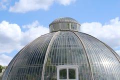 一个圆的玻璃圆顶 免版税库存照片