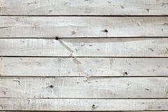 一个土气被绘的棚子的白色木墙壁纹理 库存图片