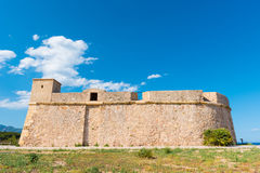 一个堡垒在L ` Ametlla de Catalunya 3月,塔拉贡纳,西班牙城市 复制文本的空间 库存照片