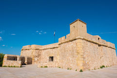 一个堡垒在L ` Ametlla de Catalunya 3月,塔拉贡纳,西班牙城市 复制文本的空间 免版税库存照片