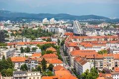 一个夏日的鸟瞰图在街市卢布尔雅那在斯洛文尼亚 库存图片
