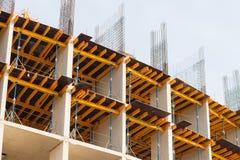 一个多层的大厦的建筑,住宅复合体 免版税库存照片