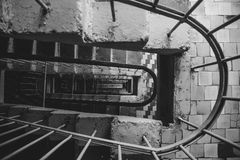 一个多层的大厦的楼梯间的顶视图 库存照片