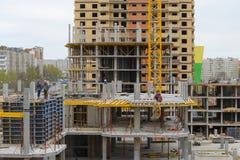 一个多层的大厦的建筑 免版税库存图片
