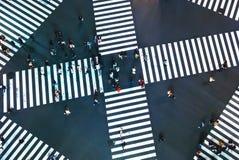 一个大交叉点的鸟瞰图在东京 库存图片