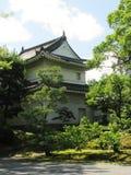一个大厦在京都Nijo城堡庭院里 库存图片