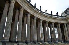 一个大厦的古老柱子在公园sanssouci,波茨坦的 免版税库存照片
