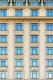 一个大厦的墙壁与窗口的 免版税图库摄影